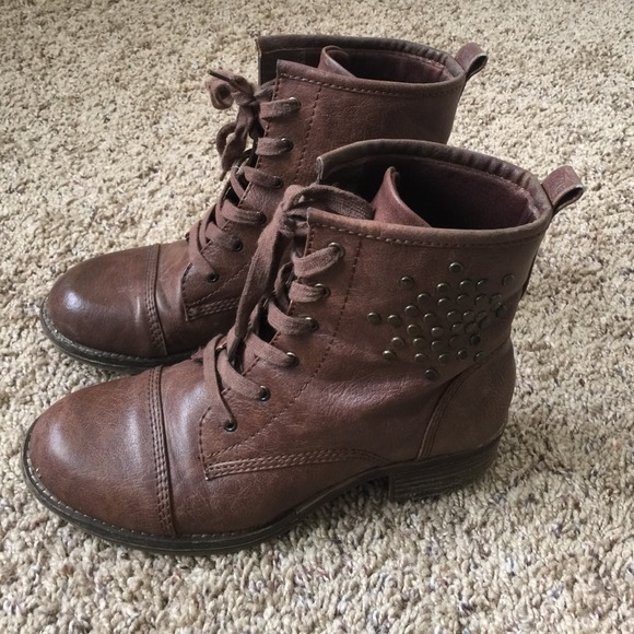 84 bare traps boots bare traps brown boots from di