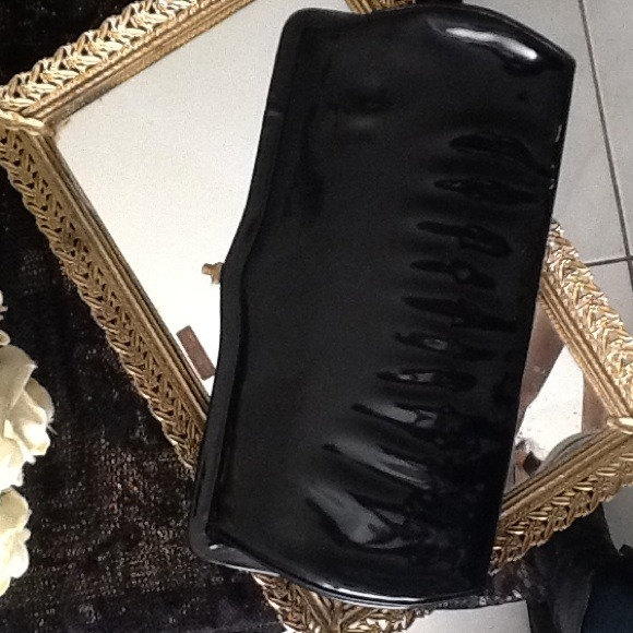 how to clean vintage patent leather purse