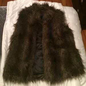 H&M faux fur vest
