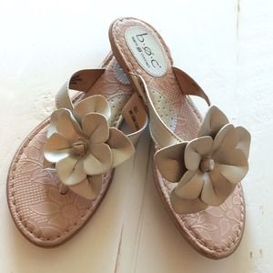 B.O.C. Shoes - Gold leather flowered flip flops