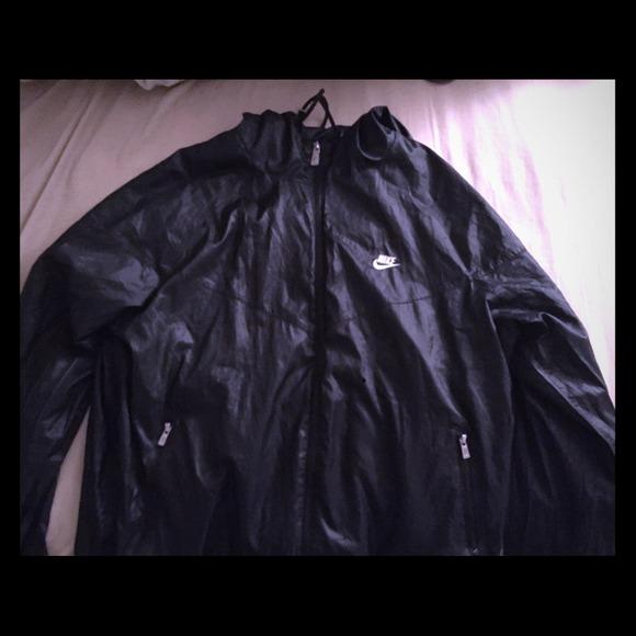 158e2baa658b Black hoodie Nike rain jacket. M 54b9d63404a9d10555041d1a