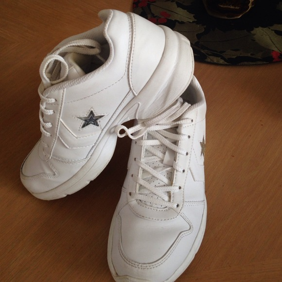 3db39c61f697 Converse Shoes - White Leather Converse Cheer Shoes