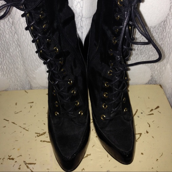 steve madden shoes black and gold boots