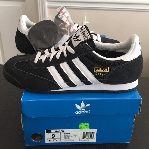 NEW ADIDAS DRAGON SIZE 9 (men)