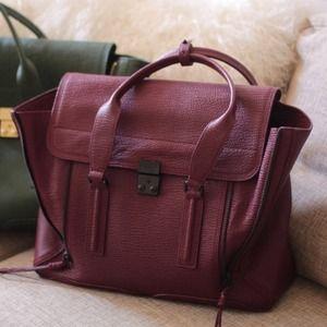 Женская бордовая сумка из лаковой кожи с замшей Valentino