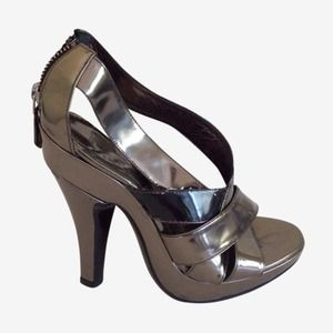 Burberry strappy sandal heels 36.5