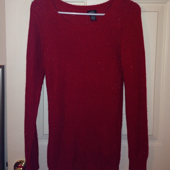 838322902b3 Long dressy red sweater. M 54bbf860b94475056400cef0