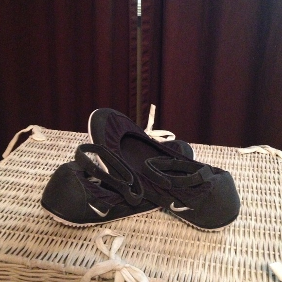 Nike Shoes | Nike Slip Ons With Ankle