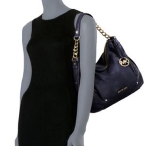 Michael kors Devon shoulder bag modeled.