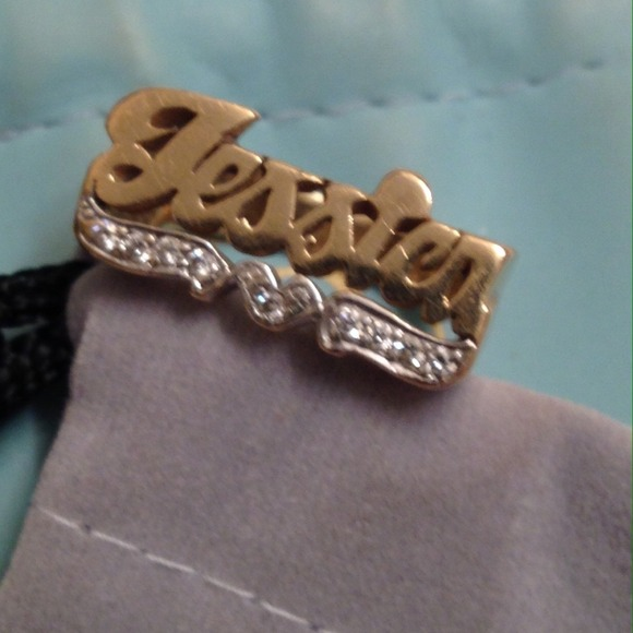 c31db6eabf764 14k gold with diamond JESSICA name ring size 6.5