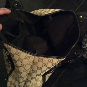 Selling Gucci Auth Purse