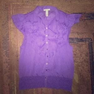 Ambiance Apparel Tops - SALE💥EUC Purple Ruffle Button Up Size Small