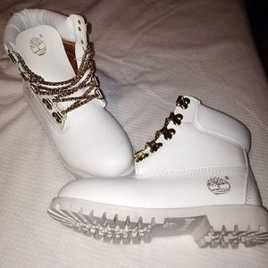 Timberland Shoes All White S With Gold Chains As Laces