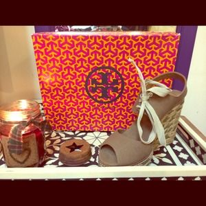 Tory Burch Wedges. Size 9!