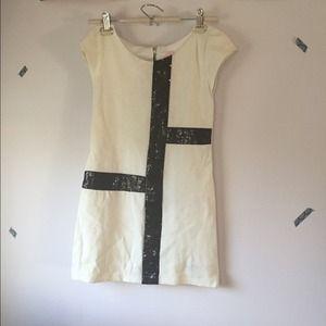 Zoe LTD Dresses & Skirts - White w/ Black Sequins Dress!