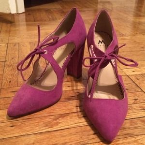 Shoe Dazzle Shoes - Fuscia suede pumps