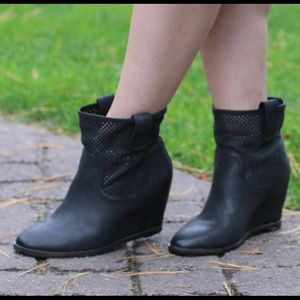 Sole Society Shoes - Sole Society wedge booties