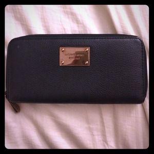 Black rose gold purse