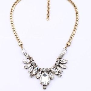 NEW Crystal Bib Pendant Drop Statement Necklace