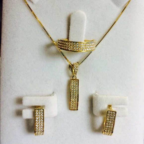 off Jewelry 18k SOLID GOLD SET about 6grams from Shiala s