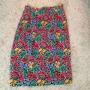 Vintage pencil skirt with bows