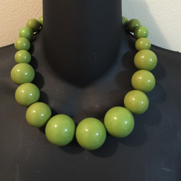 Green ball necklace ..🎉 HP Eternal Style 🎉🎉