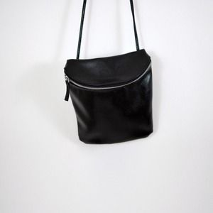 Black bucket small purse