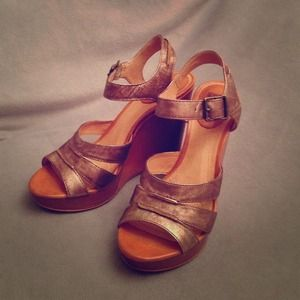 Frye Alexa Platform Sandals Distressed Bronze