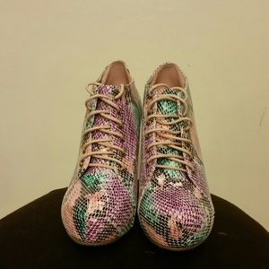 Multi pink color shoes