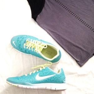 Nike Free Run Women's Sneakers