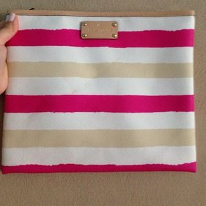 HOST PICK!!!KATE  SPADE CLUTCH!!