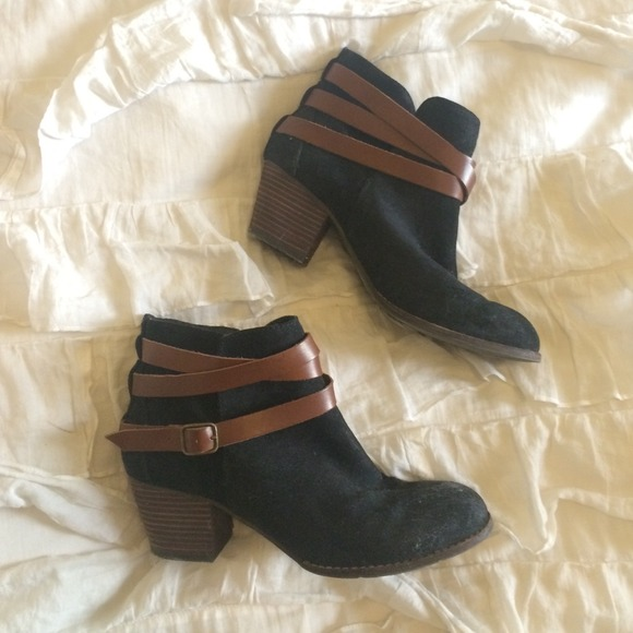 66e3adf9660 Dolce Vita Boots - Dolce Vita Suede and Leather Black+Brown Booties!
