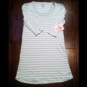 Juicy Couture Sleepwear. Color: Cream/Grey Stripe