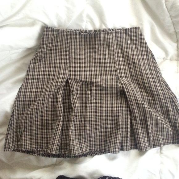 2d9cd0735c Brandy Melville Skirts | Pleated Skirt | Poshmark