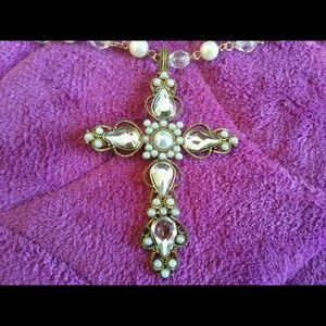 Cross necklace (pearl and stone)