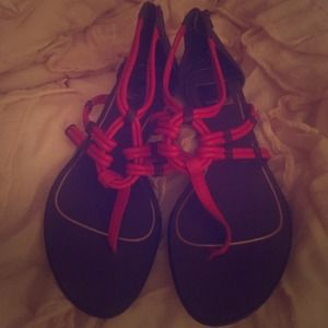 Red Dolce Vita sandals