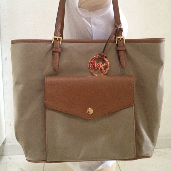 MICHAEL Michael Kors - New Michaels Kors Nylon Large pocket Tote ...