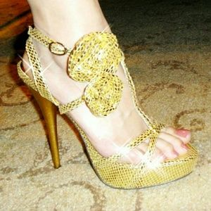 Shoes - Gold strappy heels
