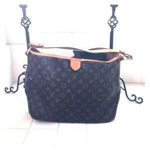 Louis Vuitton bag medium leather model