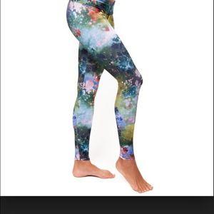 Onzie yoga pants Galaxy xs mall
