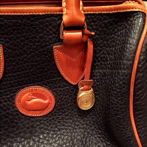 Dooney & Bourke Bags - Vintage Dooney and Bourke Navy Handbag