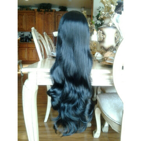 Beautiful Bodywave wig with bangs 26-28 inches