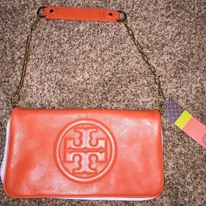 Tory burch reva clutch. New with tags
