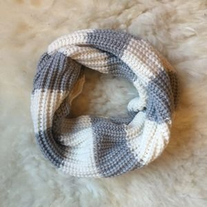 Aeropostale Accessories - Grey and Cream Chunky Knit Infinity Scarf