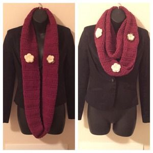Infinity scarf with detachable lapel flowers