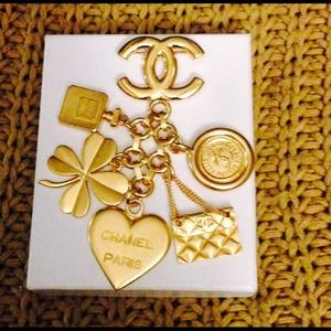 ❤️SOLD❤️ 100% Auth Chanel Vintage Multi Charm Pin!