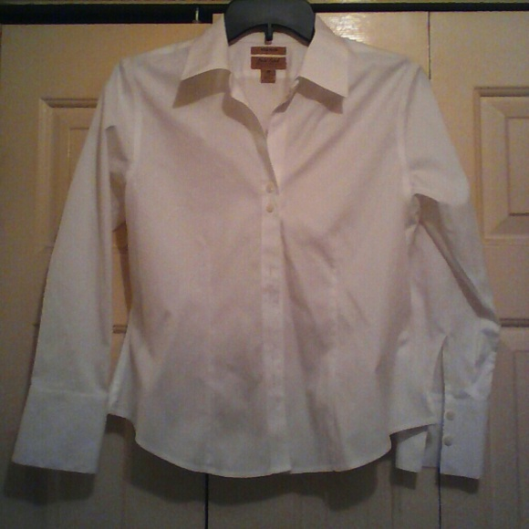 Gold label perfect condition white no iron dress shirt for Perfect white dress shirt