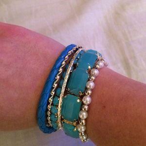 Blue bangle/bracelet set.