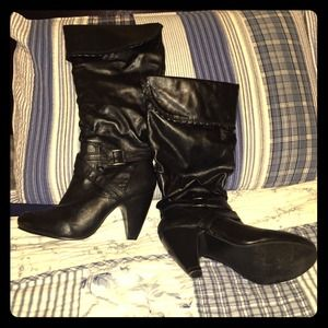 Black heeled boots size 6.5