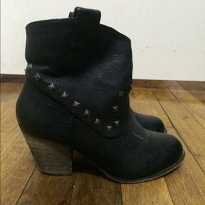Black booties size 6.0